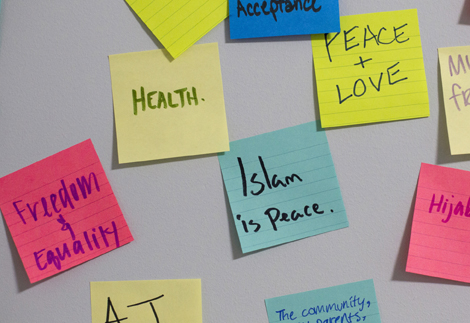 Sticky notes left by community members in response to anti-Muslim rhetoric.
